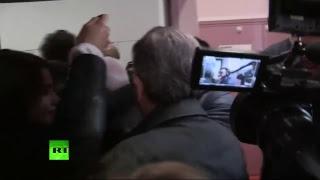 Jean-Luc Mélenchon se rend aux urnes dans le 10e arrondissement de Paris