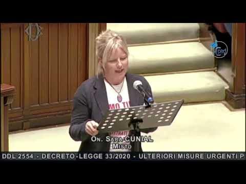 Cunial scatenata in Parlamento: 'Siete al servizio del Nuovo Ordine Mondiale'