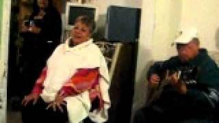 la abuela. cantando la malagueña