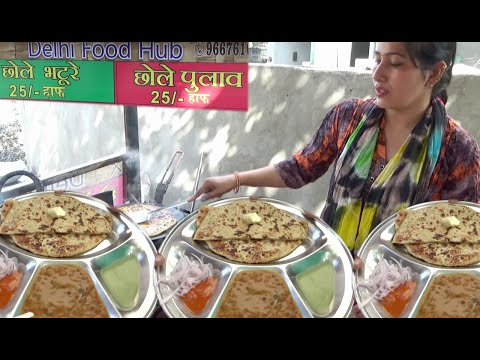 Famous Indian Lady Preparing Tasty Parathas | Delhi Food Hub | Nagpur street Food