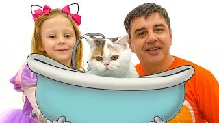 Stacy e papai tomam banho e vestir uma gatinha