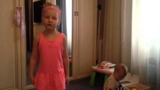 Танец с Мишкой ГуммиБер GummyBear