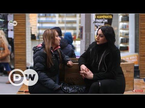 Trans kadın ve annesi yaşadıklarını anlattı - DW Türkçe