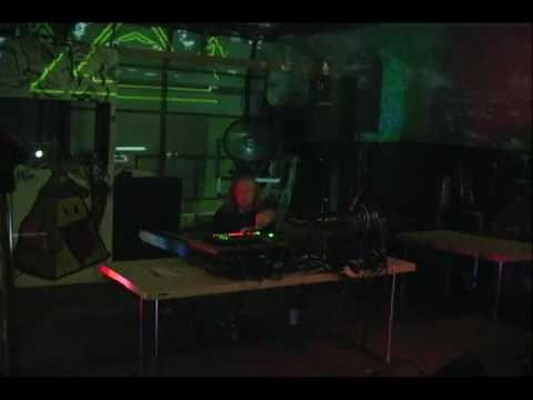 Distance Research live at Welt music fest