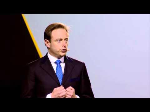 N-VA-nieuwjaarsfeest 2016: Bart De Wever roept Vlaanderen op tot volharding