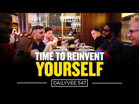 Running A $200 Million Company From A Mobile Phone | DailyVee 547