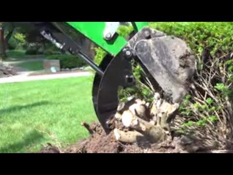 Hydraulic Thumb In Action!  260B Backhoe For John Deere 1025R