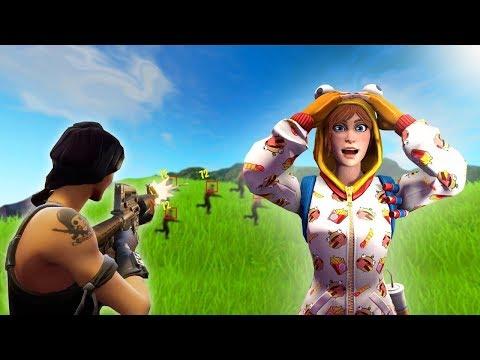 AUSTRALIA HAS FORTNITE HACKERS???? (Fortnite Battle Royale) Tinaa Gaming