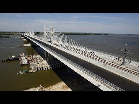 Feu vert technique pour l'inauguration d'un pont sur le Danube