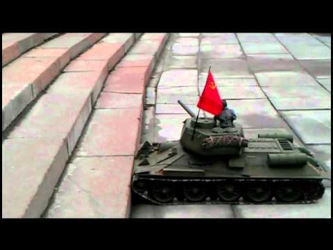 проверка подвески танков Т-34 и Пантера