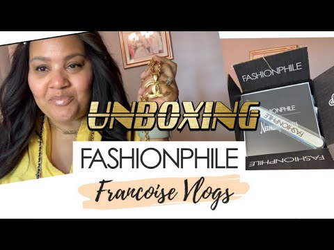 c18574192ad955 FASHIONPHILE UNBOXING | CHANEL | GOLD CC NECKLACE - Francoise Vlogs