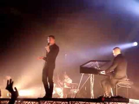 Hurts - Wonderful Life live in Berlin