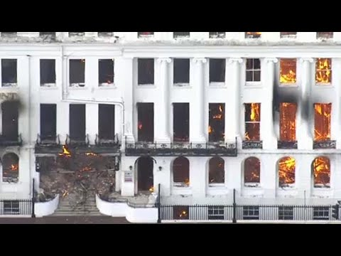 شاهد: حريق يلتهم فندقاً يعود للعصر الفكتوري جنوب بريطانيا…  - نشر قبل 3 ساعة
