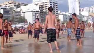 Пляжный футбол в Рио де Жанейро / Beach Soccer in Rio de Janeiro(Повальное увлечение., 2013-12-20T02:11:40.000Z)
