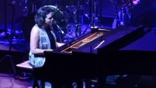 Norah Jones - Tragedy, Academy of Music, Philadelphia, 12/02/2016