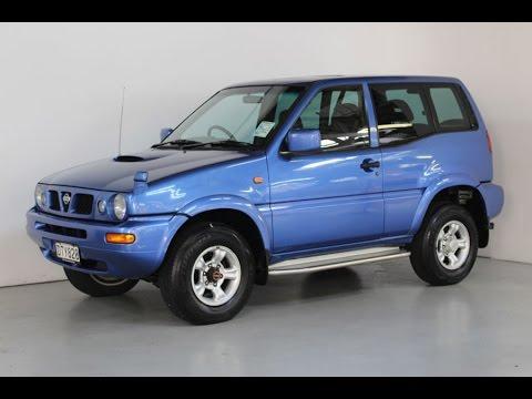 1997 Nissan Mistral - Team Hutchinson Ford