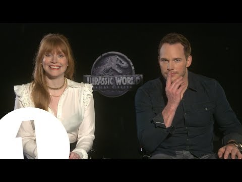 """This is classic Jurassic!"" Chris Pratt & Bryce Dallas Howard talk Jurassic World 2"