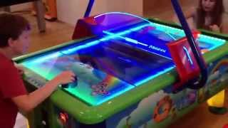 Аэрохоккей GAMELAND   аттракцион airhockey GAME LAND(, 2015-03-02T18:39:49.000Z)