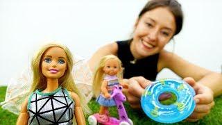 Барби и Штеффи играют на пляже - Видео для девочек