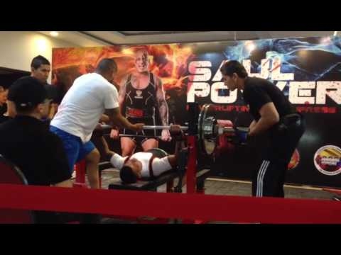 Bench press, en el Saul Power III,  Barranquilla - Colombia