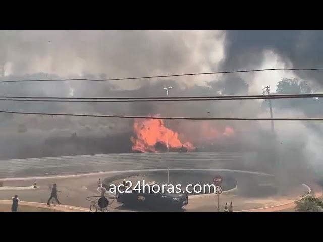 Todos os batalhões do Corpo de Bombeiros tentam apagar incêndio próximo a estação de gás