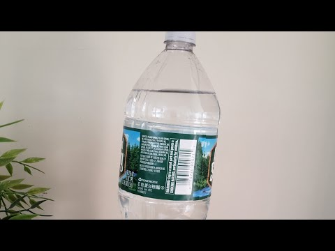 How to unclog a kitchen sink drain with a plastic bottle