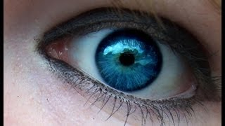 Blue eye contacts