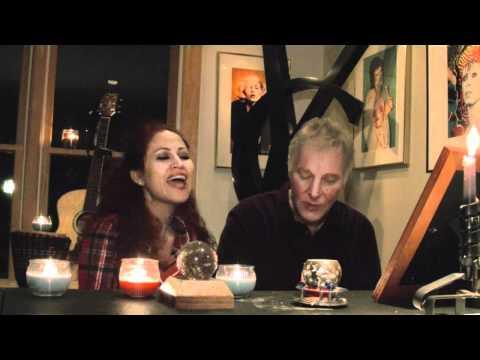 Christmas Song Anamaria Ferentz & Dean Holtermann-Kiss me Its Christmas