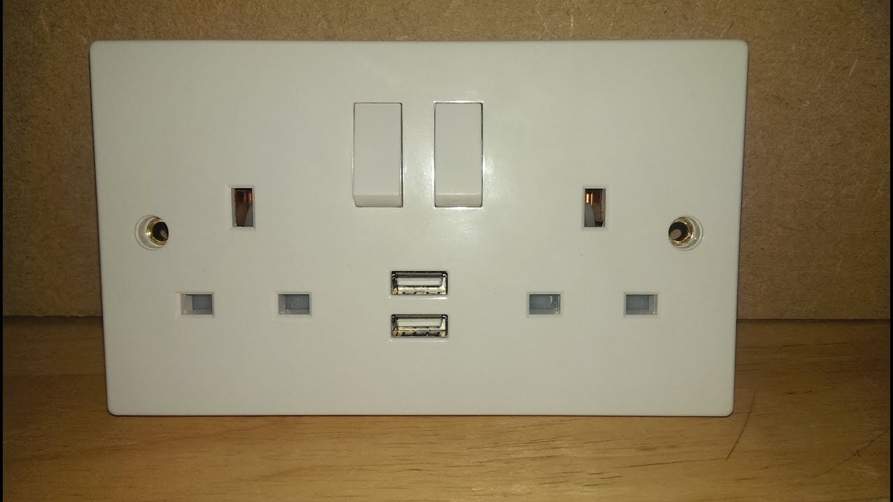 how to install a usb wall socket youtube rh youtube com MK Switches and Sockets wiring an mk socket