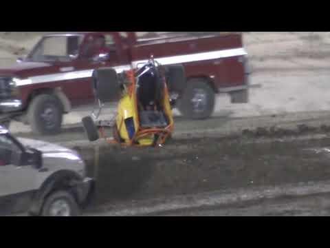 600 - F. - dirt track racing video image