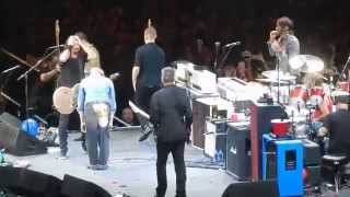 The Foo Fighters w David Lee Roth playing Van Halen
