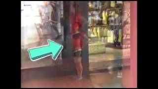 Download Video Cewek ini horny/sange di Mall MP3 3GP MP4