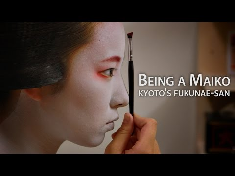 Beautiful Kyoto: Being a Maiko (featuring Fukunae-san)