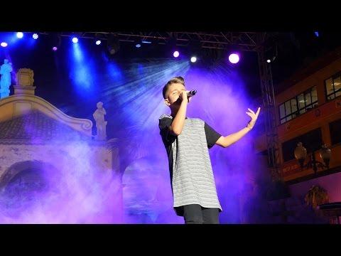 Adelanto del nuevo cover Andas En Mi Cabeza (Chino & Nacho) en el show case de Tenerife