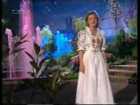 Angela Wiedl  Oldies medley 1999