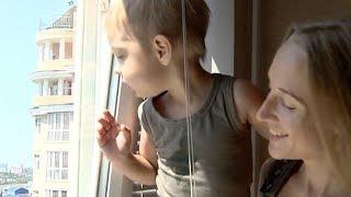 Остановить тенденцию: пятеро детей выпали из окон в Краснодарском крае с начала июля