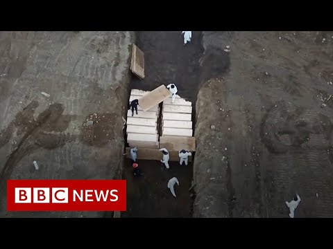 Coronavirus: mass grave in New York - facing world's highest death rate - BBC News