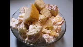 Салат из курицы с сыром и сухариками видео рецепт UcookVIDEO.ru