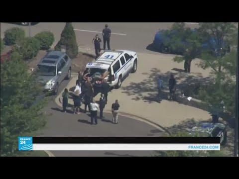 رجل يطعن شرطيا في مطار بولاية ميشيغان وهو يهتف -الله أكبر-  - نشر قبل 1 ساعة