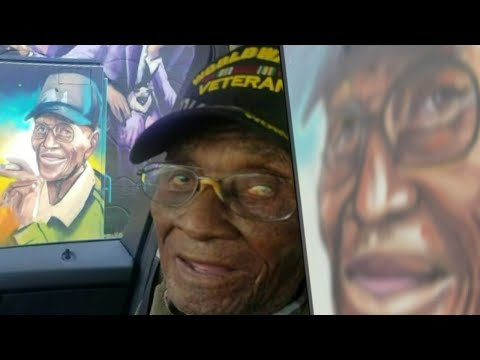 Richard Overton's caretakers hope mural photo spurs donations for care