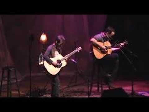 Dave Matthews + Tim Reynolds - Lie In Our Graves