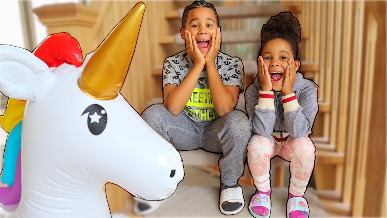 Magical Unicorn in the House Kids Pretend Play   FamousTubeKIDS