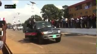 Arrivée de François Hollande à Conakry