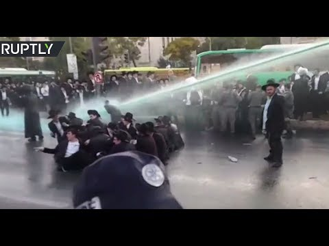 Ultra-Orthodox Jews block entrance to Jerusalem in protest against army draft