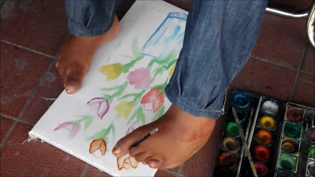 l artiste peintre karima dessin par pied fstt