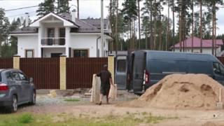 Деревянный забор с кирпичными столбами(Деревянный забор с кирпичными столбами от компании Забор СтройМонтаж . Заказать можно на сайте: купи-забор.фр., 2016-08-05T15:29:36.000Z)