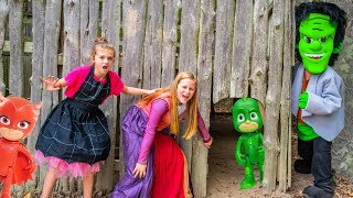 Assistant has a Spooky PJ Masks Hunt with Crystal and Corn maze