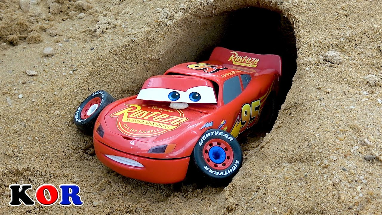 디즈니 자동차 번개 맥퀸 동굴에 상어가있다