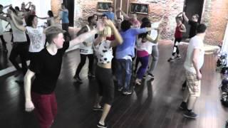 Salsa Class 29.03.16 at D'AKOKAN Dance School - Yoandy Villaurrutia & Natasha Sirenko