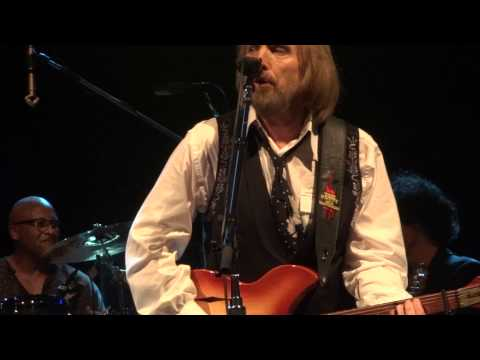 Tom Petty and the Heartbreakers - Free Fallin' Live at The O2 Dublin Ireland